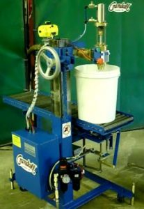 CR. A1 25PTX pail filler, top fill, pneumatic