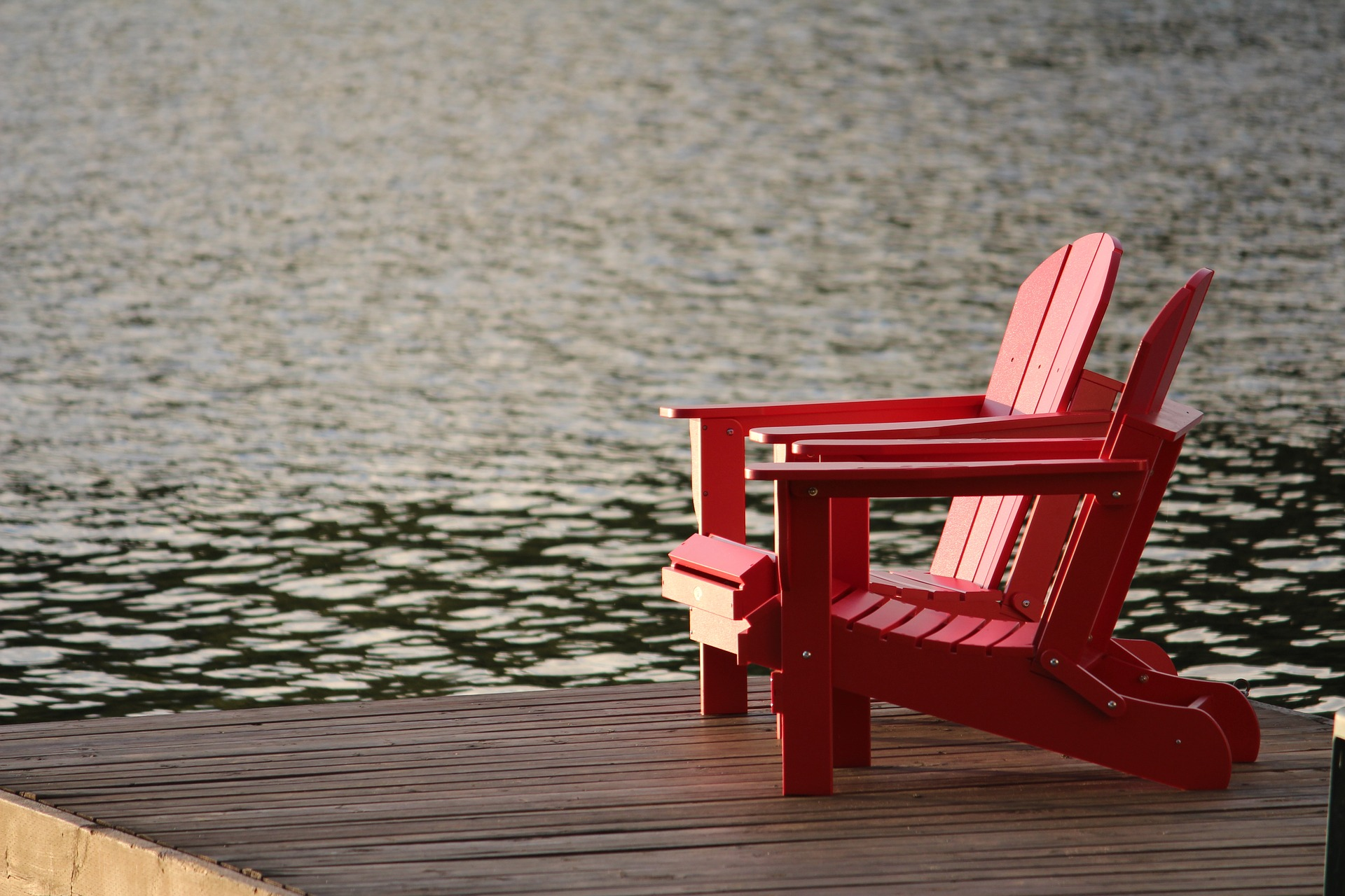 Chairs at cottage.MonicaDesigns.cottage-1550083_1920