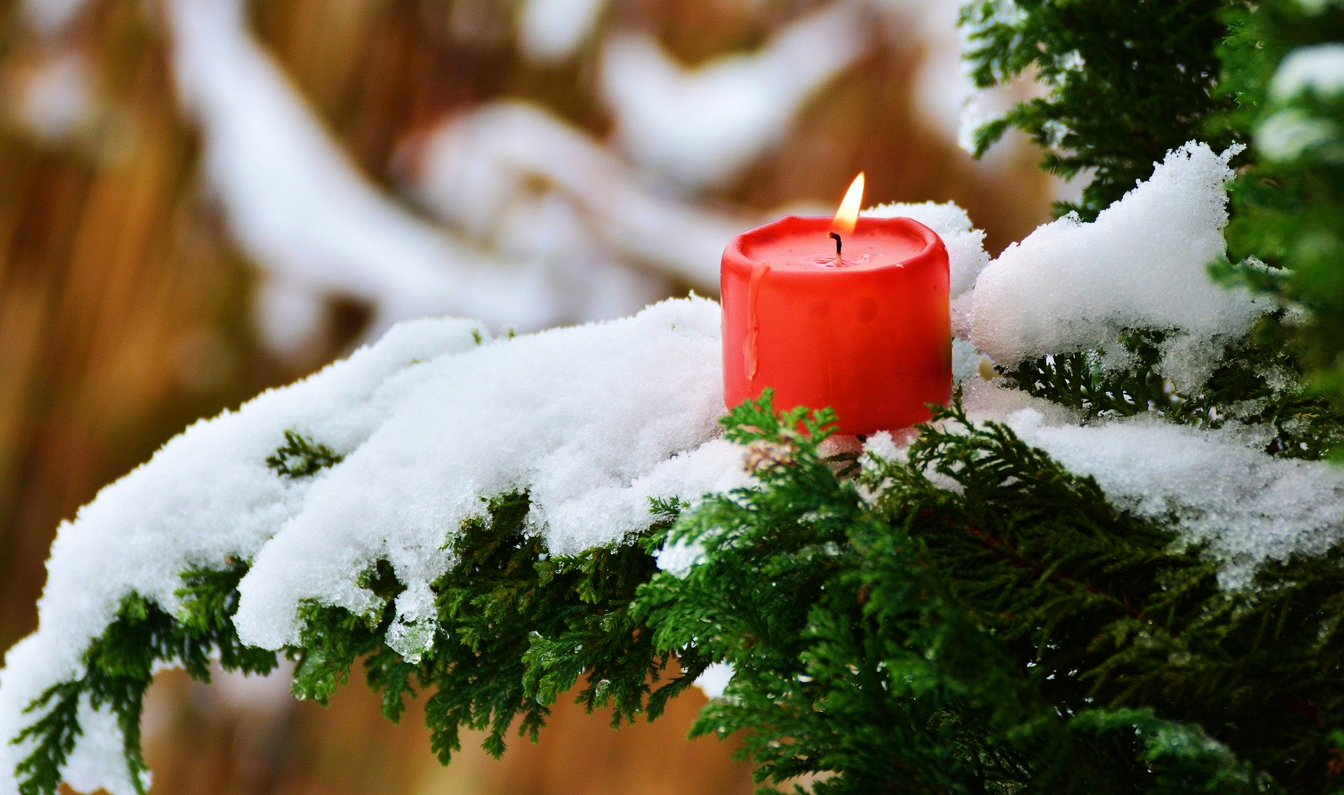 XMAS candle. congerdesign. via Pixabay. CC0 Creative Commons. candle-2992645_1920